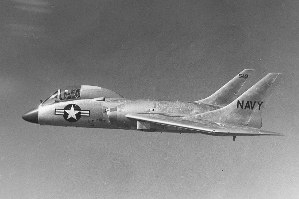 Vought_F7U-3_Cutlass_in_flight_c1955_(cropped).jpg