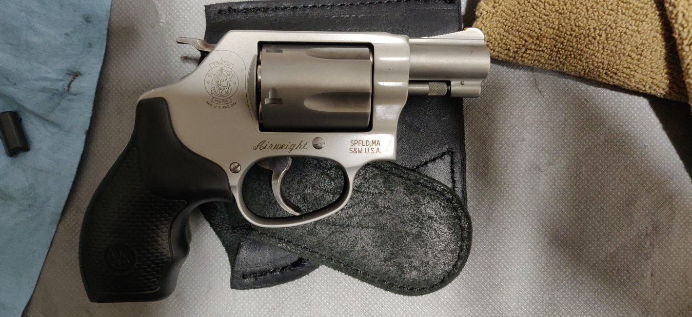 SandW Model 637.jpg